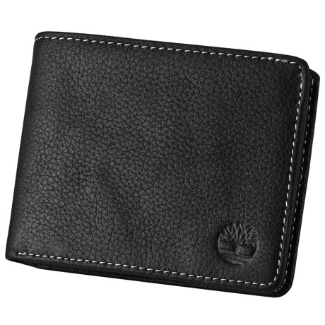 Timberland Pebble-Grain Leather Passcase