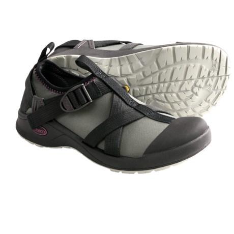 Slot shoes