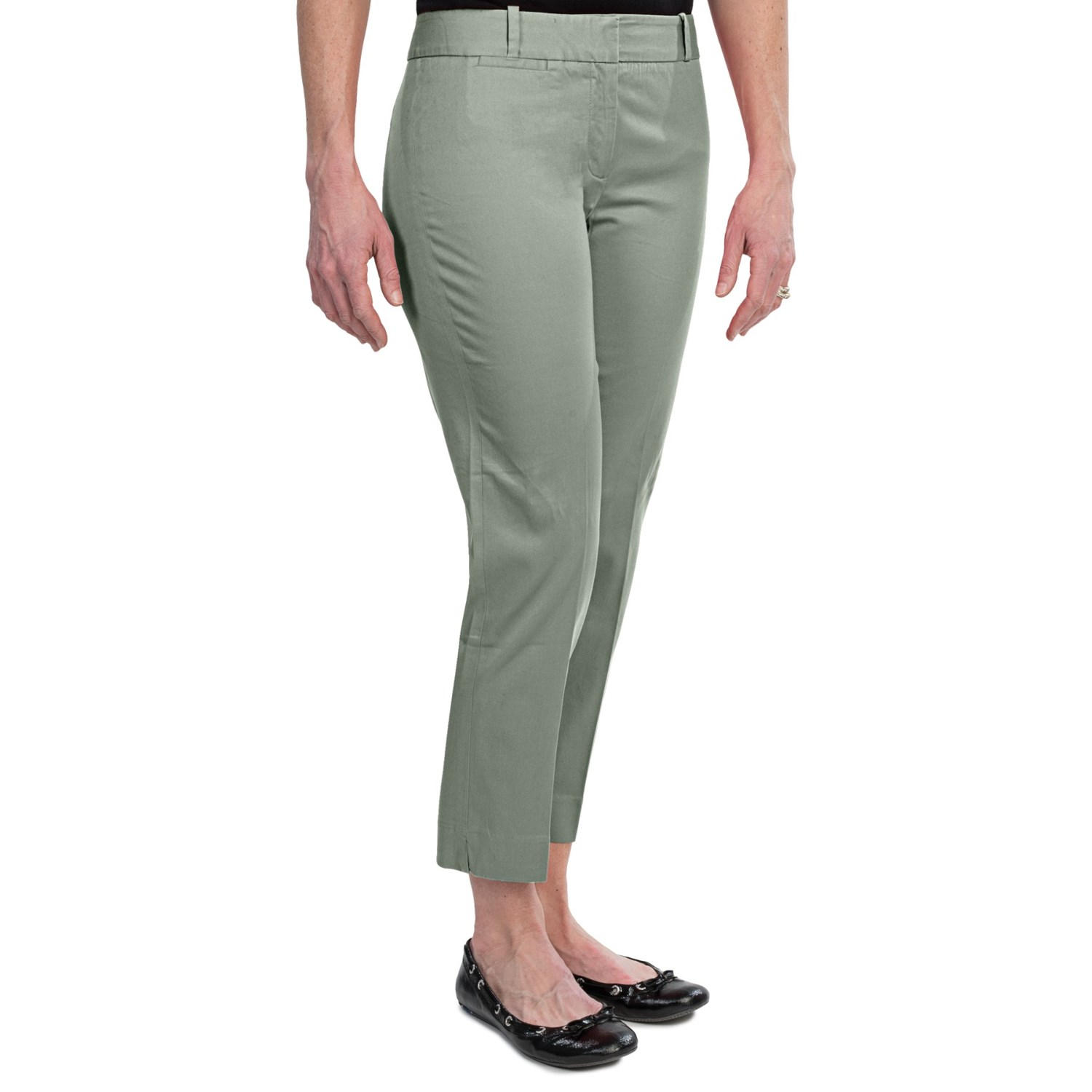 Warm-weather staples. Cotton sateen is done in a classic pedal pusher style to create these must-have capris. Designer details like a flat front and side slits elevate the look/5(26).