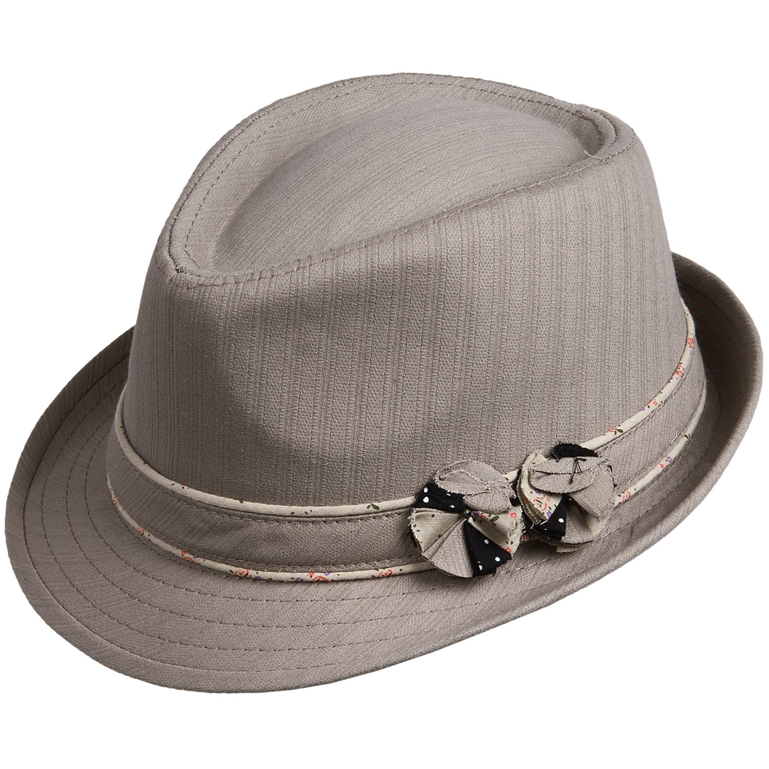 Women's Fedora Most people associate the fedora as a men's hat; during the turn of the 20 the century, fedoras were to men as cloche hats were to women. However, today the script has been flipped and the fedora has become a common sight for both men and women to wear.