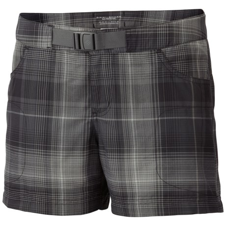 Columbia Sportswear Cross On Over II Plaid Shorts - UPF 50, Built-In Belt (For Women)