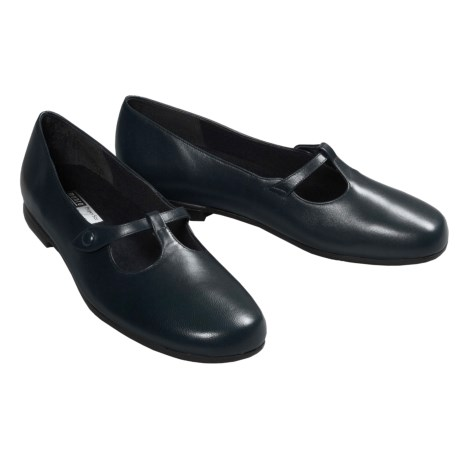Munro American Avalon Shoes - Mary Janes (For Women)