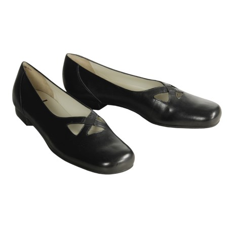 Trotters Maggie Flats (For Women)