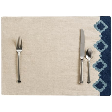 """Coyuchi Bold Embroidered Linen Placemat - 14x20"""""""