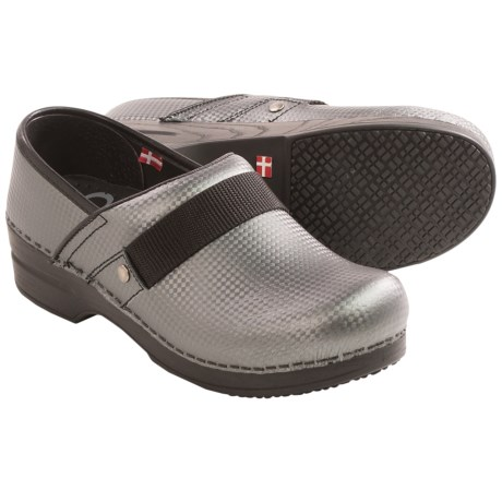 Sanita Smart Step Rae Lyn Clogs - Closed Back (For Women)