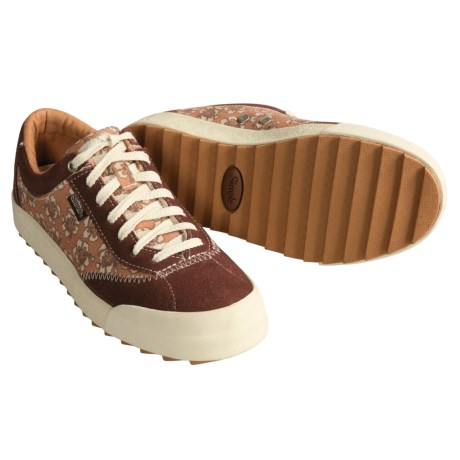 Simple Tenny Casual Sneakers (For Women)