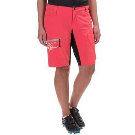 Qloom Seal Rock Biking Shorts - Removable Liner (For Women) in Cayenne Red - Closeouts