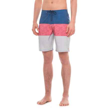"Quiksilver Waterman Fairway Tri Block Boardshorts - 9"" (For Men) in White - Closeouts"
