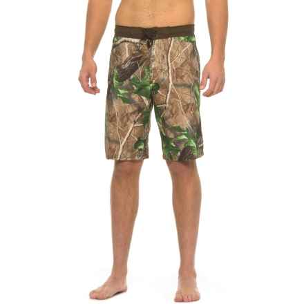 Realtree Contrast Waist HD-E Boardshorts (For Men) in Green Camoflage - Closeouts