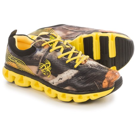 Realtree Outfitters Hunt Bum Camo Hiking Shoes (For Men) in Camo/Yellow