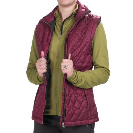 Redington Bellacoola Quilted Vest (For Women) in Berry