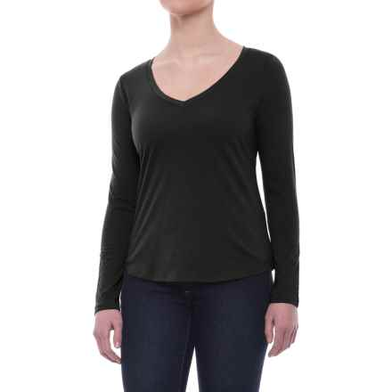 Relaxed V-Neck Shirt - Long Sleeve (For Women) in Black - 2nds