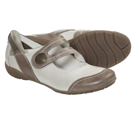 Remonte Dorndorf Dena 05 Mary Jane Shoes (For Women) in Clay/White