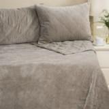 Rizzy Home Velvet Quilt and Pillow Sham Set - King