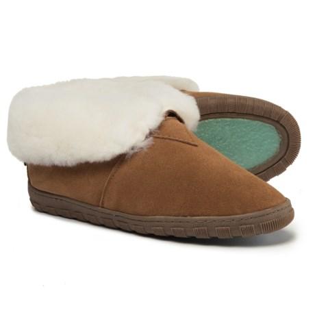 RJ'S Fuzzies Sheepskin Bootie Slippers (For Women) in Chestnut