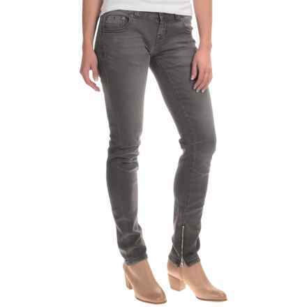 Rock & Roll Cowgirl Moto Skinny Jeans - Low Rise (For Women) in Charcoal - Closeouts