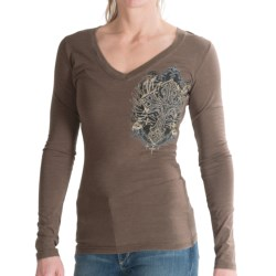 Rock & Roll Cowgirl Winged Cross T-shirt - Short Sleeve (For Women) in Taupe