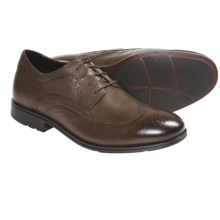 Rockport Fairwood 2 Wingtip Oxford Shoes (For Men) in Medium Brown Tumbled - Closeouts