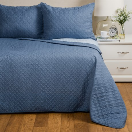 Ron Chereskin Cross Box-Stitch Quilt Set - Full-Queen, Reversible in Dark/Light Blue
