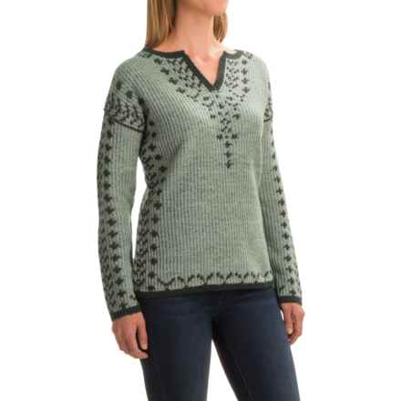 Royal Robbins Autumn Pine Reversible Sweater - V-Neck (For Women) in Agave - Closeouts