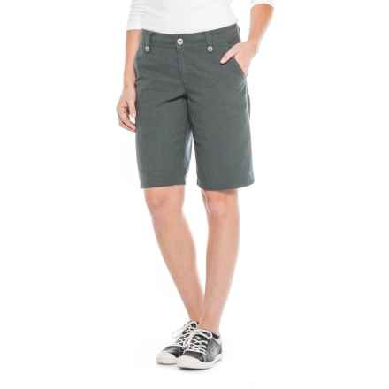 "Royal Robbins Bay Breeze Shorts - Hemp Blend, 11"" (For Women) in Obsidian - Closeouts"