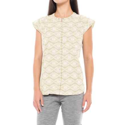 Royal Robbins Cool Batik Camp Shirt - Short Sleeve (For Women) in Light Khaki - Closeouts