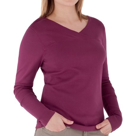 Royal Robbins Kick Back Crossover Shirt - Long Sleeve (For Women) in Beet
