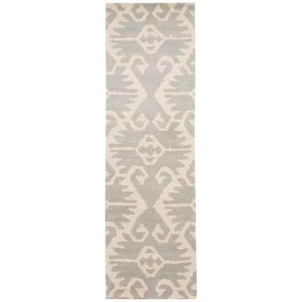 "Safavieh Wyndham Collection Grey and Ivory Floor Runner - 2'3""x9', Hand-Tufted Wool in Grey/Ivory - Closeouts"