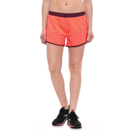 Salomon Agile Shorts - UPF 30, Built-In Brief (For Women) in Fluo Coral/Fig
