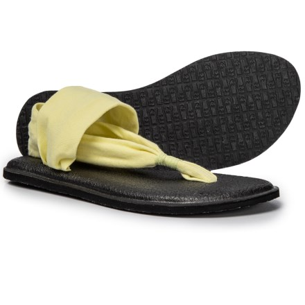 6b9228be4041 Sanuk Yoga Sling 2 Sandals (For Women) in Yellow Pear