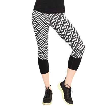 Satva Aisha Capri Leggings - Organic Cotton (For Women) in Graphic Geo Print - Closeouts