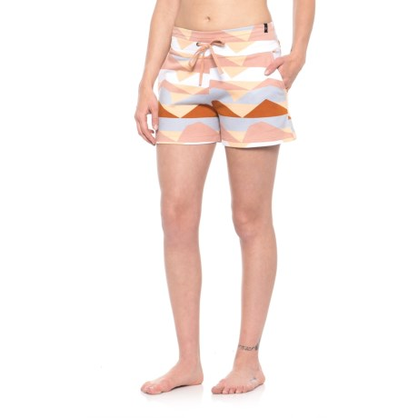 Satva Mali Shorts (For Women) in Pink Navajo Print