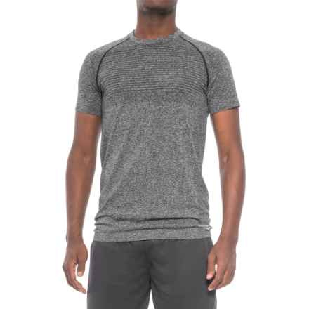 Saucony Active T-Shirt - Seamless Sides, Short Sleeve (For Men) in Black/White Ground - Closeouts