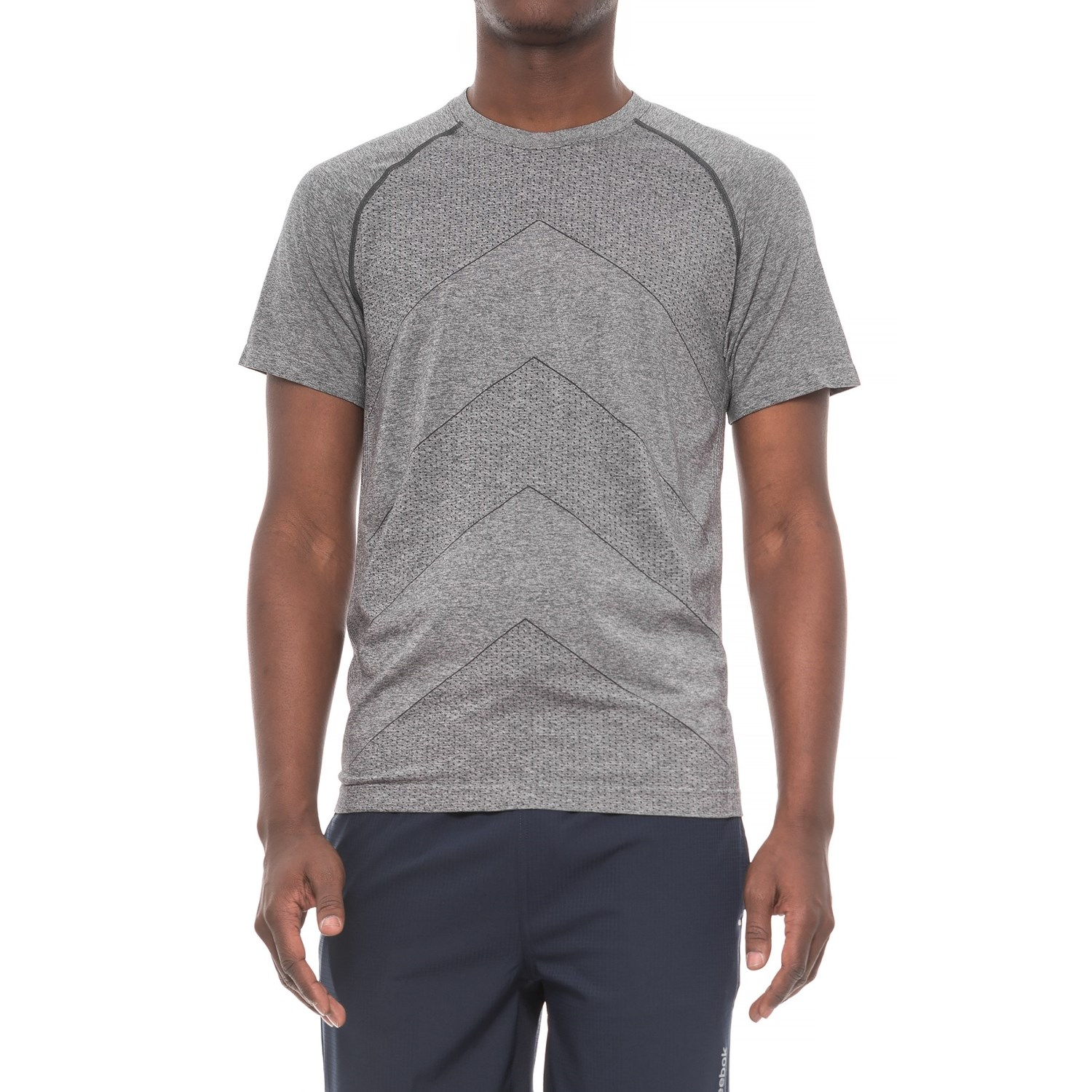 Saucony Dash Seamless T-Shirt - Short Sleeve (For Men) in Carbon ...