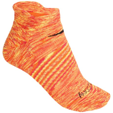 Saucony Daybreak No-Show Socks - Below the Ankle (For Women) in Coral