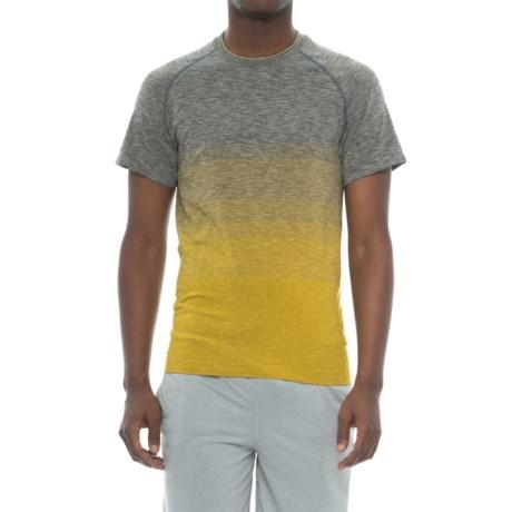 Saucony Endurance Shirt - Short Sleeve (For Men) in Dark Grey Heather