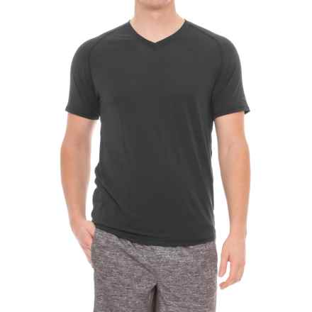 Saucony Freedom Shirt - V-Neck, Short Sleeve (For Men) in Black - Closeouts