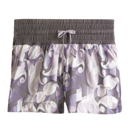 Saucony Go Girl Run Shorts (For Women) in Lure