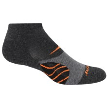 Saucony Kinvara Merino Socks - Merino Wool, Quarter Crew (For Men and Women) in Charcoal - Closeouts