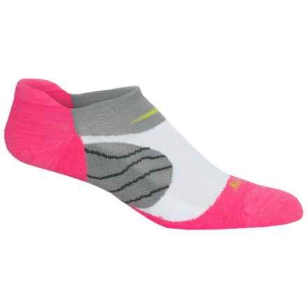 Saucony Kinvara No-Show Tab Socks - Below the Ankle (For Men and Women) in Vizi Pink/Grey - Closeouts