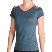Saucony Micro Melange Shirt - V-Neck, Short Sleeve (For Women) in Plasma - Closeouts