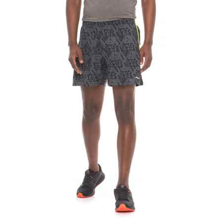 Saucony Throttle Shorts - Built-In Boxer Briefs (For Men) in Carbon - Closeouts