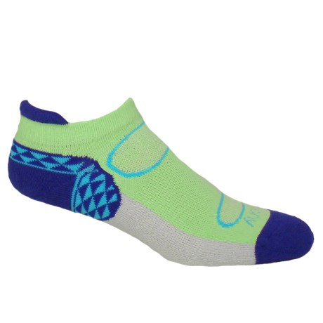 Saucony Triangle No-Show Tab Socks - Below the Ankle (For Women) in Spring Green