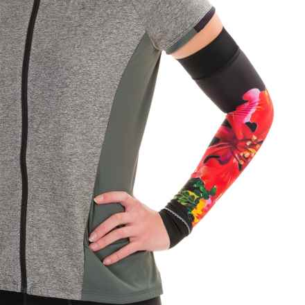 Shebeest Brave Arm Warmers (For Women) in Flamboyant Black - Closeouts
