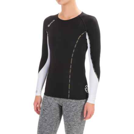 SKINS DNAmic Thermal Base Layer Top - Crew, Long Sleeve (For Women) in Black/Cloud - Closeouts