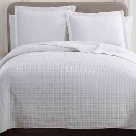S.L. Home Fashions Hill & Holmes Stonewashed Quilt Set - Queen in White - Overstock