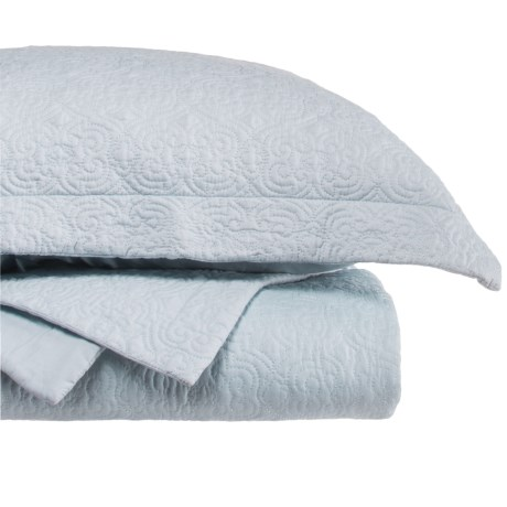 SLHF Collection Taylor Solid Quilt Set - Queen in Light Blue