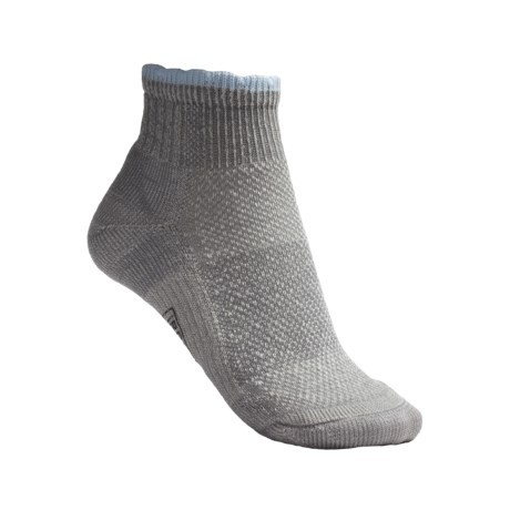 SmartWool Hiking Ultralight Mini Socks - Merino Wool, Quarter Crew (For Women) in Grey