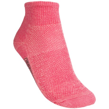 SmartWool Hiking Ultralight Mini Socks - Merino Wool, Quarter Crew (For Women) in Punch