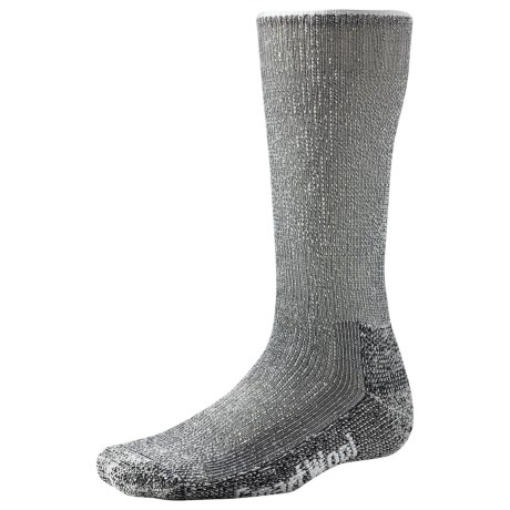 SmartWool Mountaineer Hiking Socks (For Men and Women) in Navy